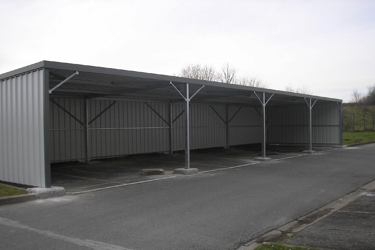 Garage ouvert abris v hicules pour pro toit pente arri re for Garage ouvert autour de moi